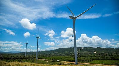 VIDEO: RD aprovecha el uso del viento, agua y sol para producir energía limpia