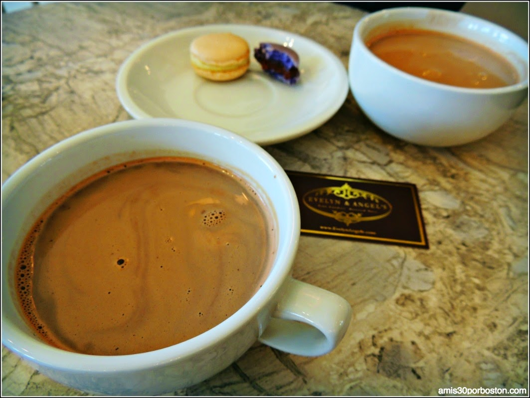 Hot Chocolate: Evelyn & Angel´s