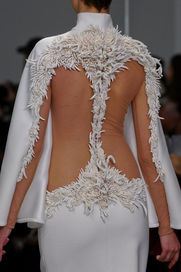 Runway stephane rolland haute couture spring 2013 cool for Haute couture details