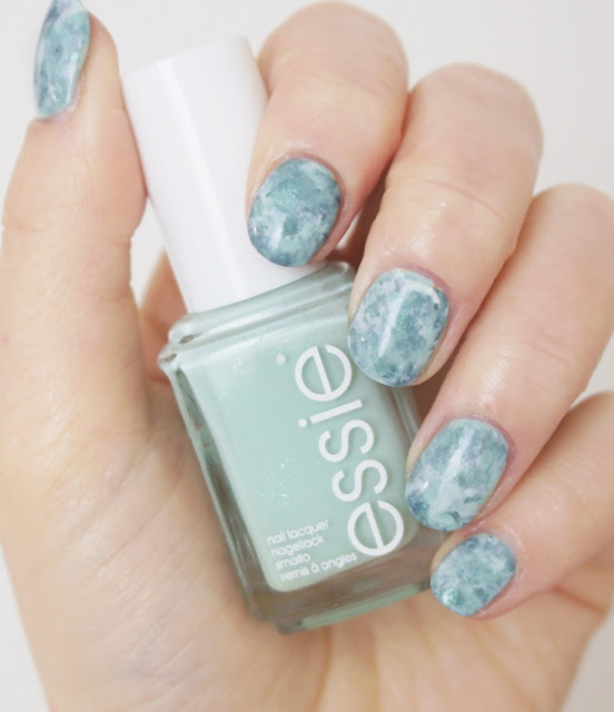 Turquoise Türkis Marmor Nails Essie - Fashion Playground Essie - Blanc OPI - This Color's Making Waves