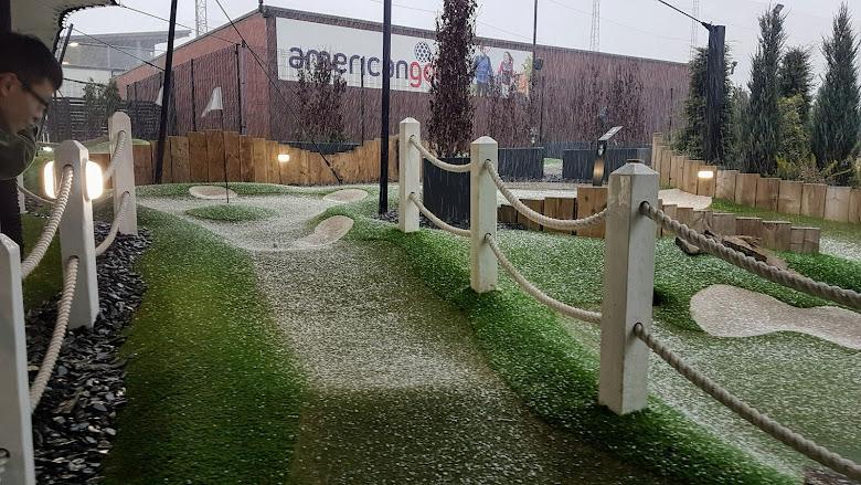 球道被冰雹覆蓋