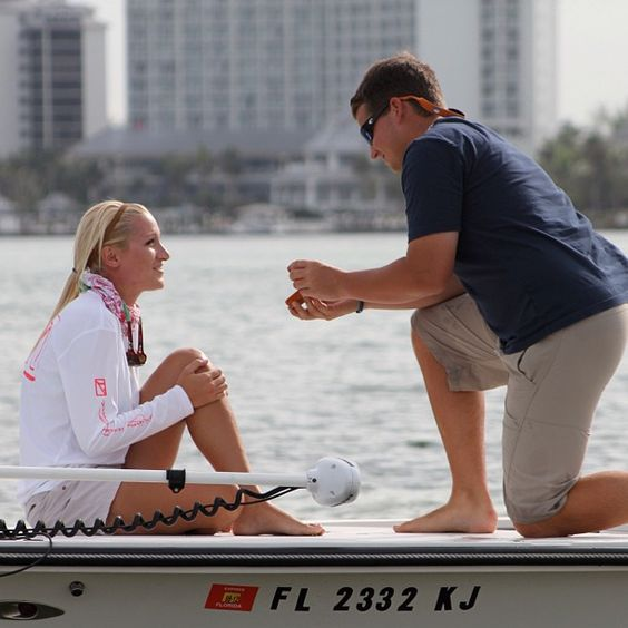 Pedir en matrimonio en un barco - Foto: www.keepingcapecodclassy.com