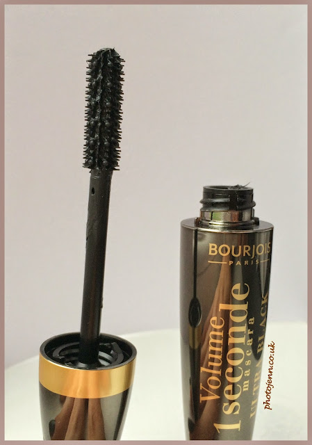 Bourjois-Volume-1-Seconde-Ultra-Black-Mascara-brush