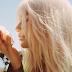 Kesha compartilha momentos da infância em novo clipe. Assista 'Learn To Let Go'!