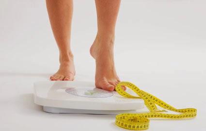 """<img src=""""cómo-bajar-de-peso.jpg"""" alt=""""para bajar de peso rápidamente, hay que seguir algunas indicaciones simples, que te las decimos aquí"""">"""