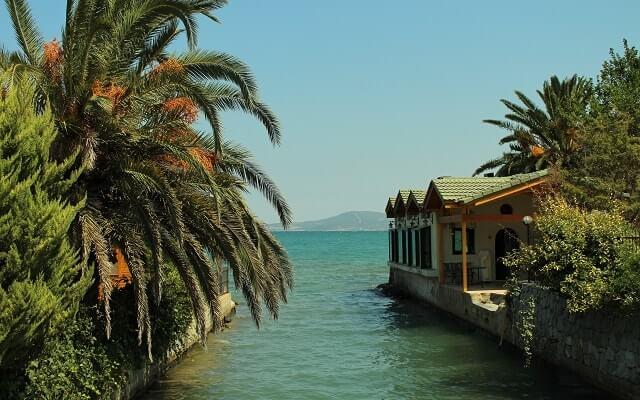 İzmir'de-yazın-gidilecek-yerler