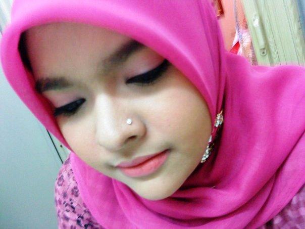 Foto Foto Anak Berjilbab Cantik DI CROT