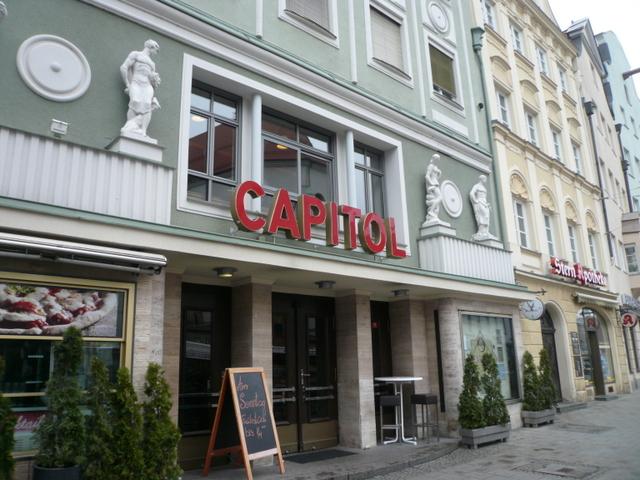 Das Capitol Als Restaurant Unter Der Fittichen Zweier Seferi Brüder.