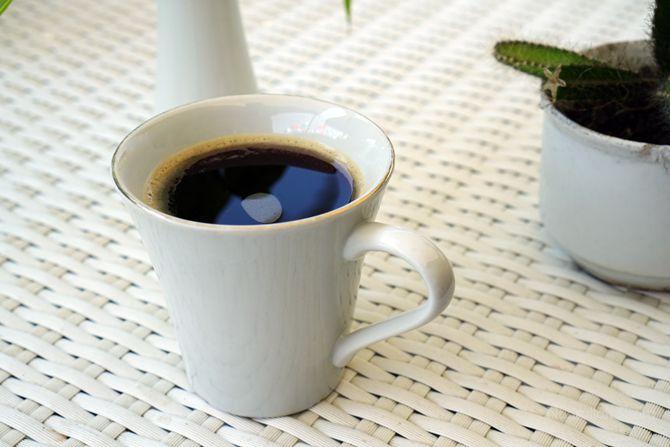 Segelas kopi di Kedai Kopi d'Emmerick