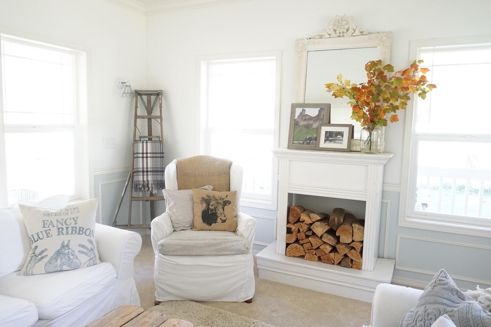 Little farmstead fall farmhouse style living room - Farm style living room ...
