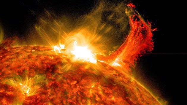 Resultado de imagen para El sol podría lanzar en los próximos 100 años súper llamaradas que causarán destrucción en la Tierra