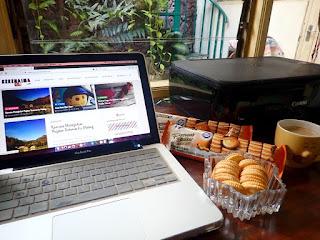 Menjadi Blogger Produktif, Me Time, dan BuahTangan Penuh Cinta Dari Julie's Peanut Butter Sandwich