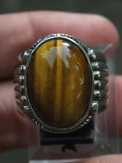 Cincin batu Tigereye