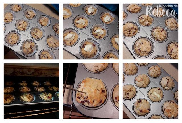 Receta de muffins de arándanos secos y chocolate blanco: reparto de masa y horneado