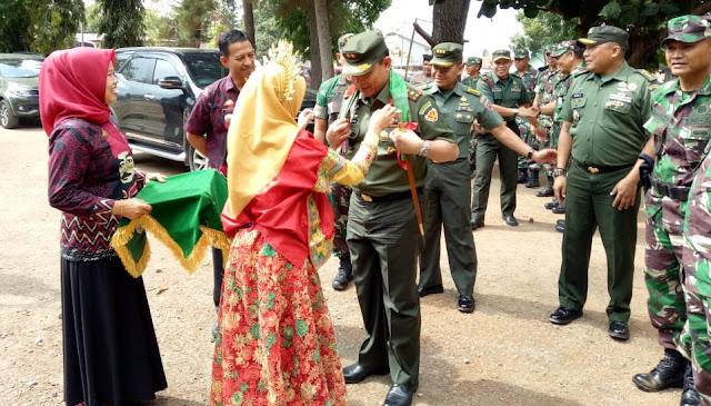 Danpusterad/Ketua Tim Wasev Mabes TNI Harap TMMD Dapat Meningkatkan Kesejahteraan Masyarakat