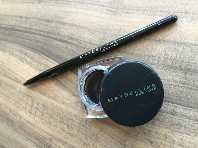 Pilihan Eyeliner Maybelline untuk Membuat Cat Eye dengan Mudah