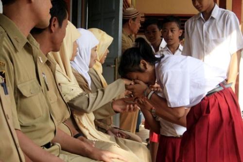 Bolehkah Guru Memberi Hukuman Kepada Siswa?