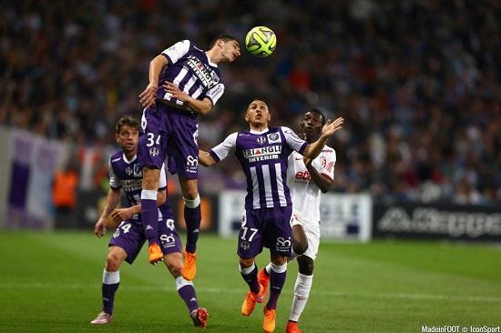 Bodiger với bàn thắng huyền thoại của mình.