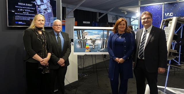 The German Aerospace Center (DLR) and the United States corporation Teledyne Brown Engineering (TBE) announcing the completion of the development and manufacturing of the DESIS hardware. From left to right: Pascale Ehrenfreund, Chair of the DLR Executive Board; Jack Ickes, Senior Vice President, Geospatial Solutions and International Manufacturing, TBE; Janice L. Hess, President of Teledyne Brown Engineering and Uwe Knodt, DLR Programme Manager for DESIS. Credit: DLR