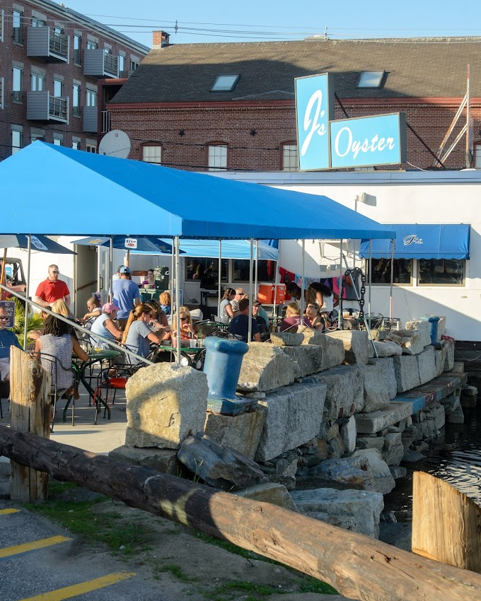 Portland, Maine USA June 2018 photo by Corey Templeton. Summertime dining in the fresh air at J's Oyster in the Old Port.