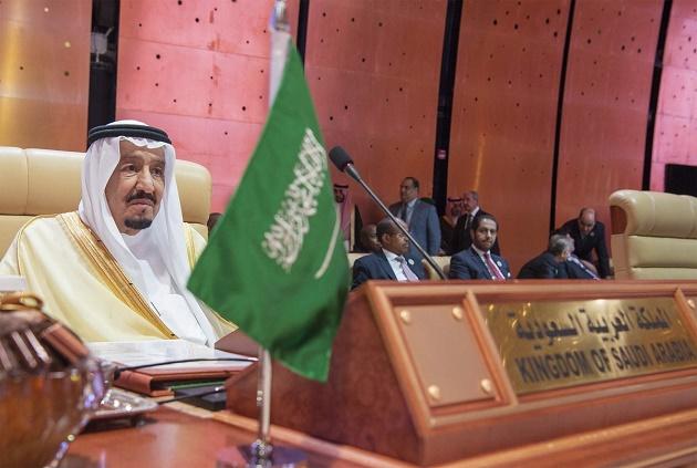 Τα νεοφιλελεύθερα αρπακτικά πετούν πάνω από τη Σαουδική Αραβία