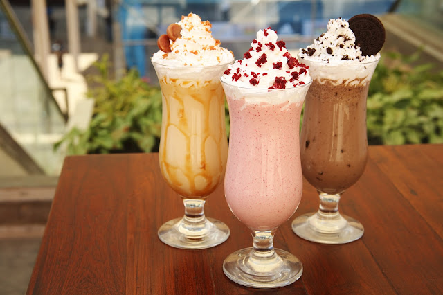 Red velvet, Caramel, Oreo Smoothies (2)