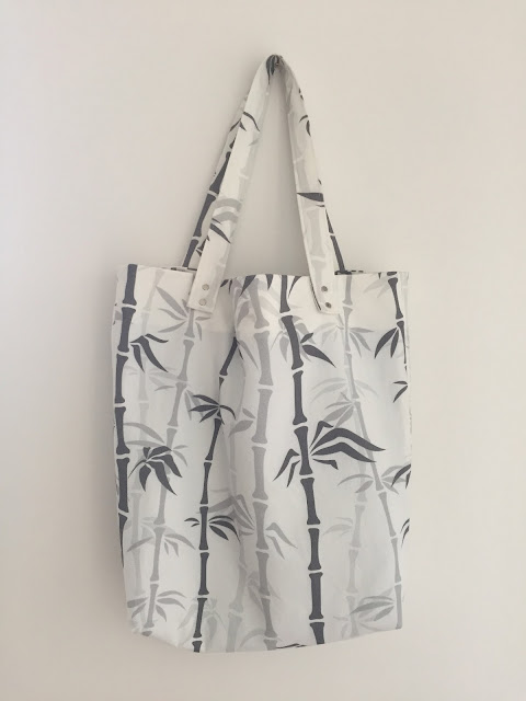 Diary of a Chain Stitcher: Pattern Fantastique Genoa Tote in Bamboo Custom Print Canvas from Fashion Formula