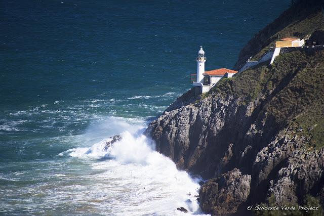Faro del Pescador - Santoña, por El Guisante Verde Project
