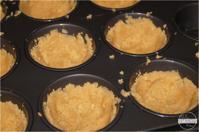 press-cracker-crumb-crust-for-mac-and-cheese-recipe-in-muffin-tin