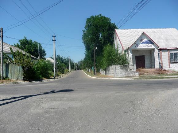 Васильковка. Магазин «Калиновый», у которого останавливается автобус Днепр – Покровское