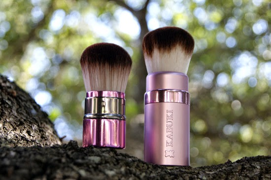too faced kabuki brush. if you are familiar with this blog, might noticed that the too faced retractable kabuki brush was included in almost every this-and-that favorites post