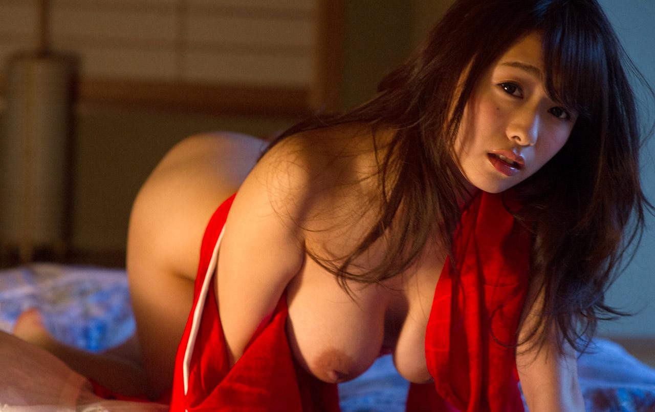 marina shiraishi sexy topless pics 04