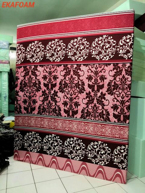 Kasur inoac batik bunga merah maroon