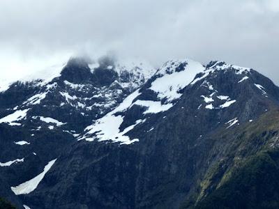 milford-sound-snow-cap-mountain