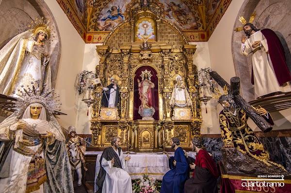 Los titulares de las Tres Caídas de Huelva en la capilla sacramental del Corazón de Jesús