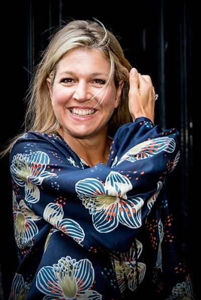 Queen Maxima wore Natan blue flower print blouse, Queen Maxima wore J. Crew Sailor trousers, fashions and style
