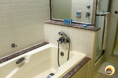 Hotel Istana Deluxe Guestroom Bathroom Design, Pictures, malaysia