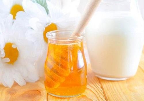 Mặt nạ chống lão hoá da từ mật ong và sữa chua