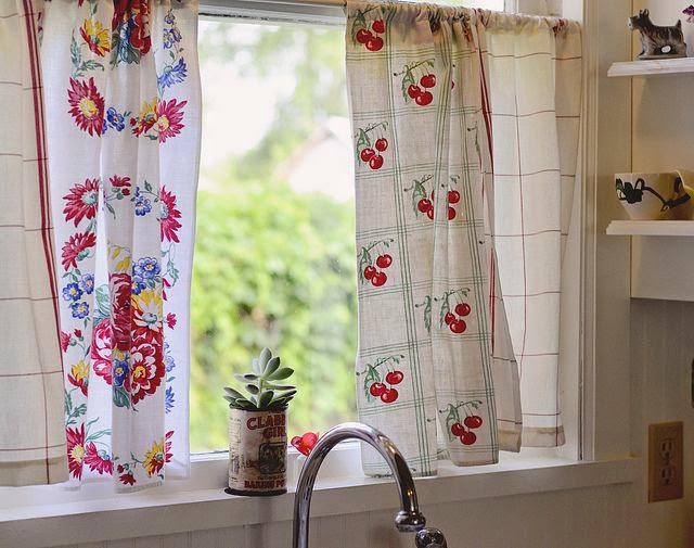 Elegant Kitchen Curtains 9