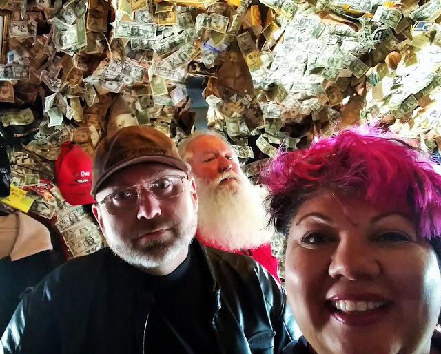 Salty-Dawg-Saloon-Homer-Alaska
