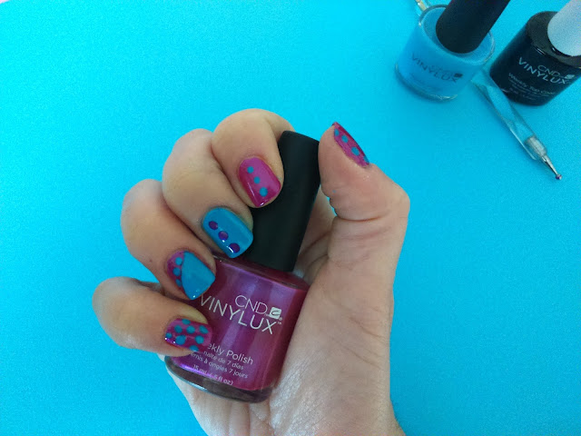 CND Vinylux Weekly Polish in Magenta Mischief #209