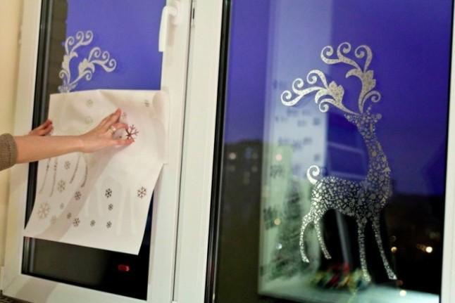 12 ideas navide as para decorar ventanas en esta navidad cositasconmesh - Figuras navidenas para decorar ...