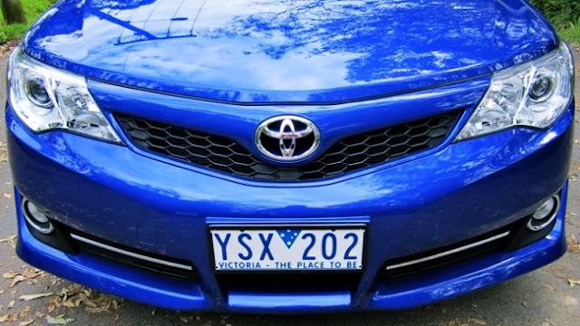 2015 Toyota Camry Atara S Hybrid Review Price