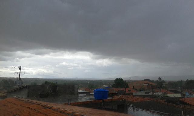 Fim de semana em Alagoas  pode ter chuvas rápidas, informa Semarh