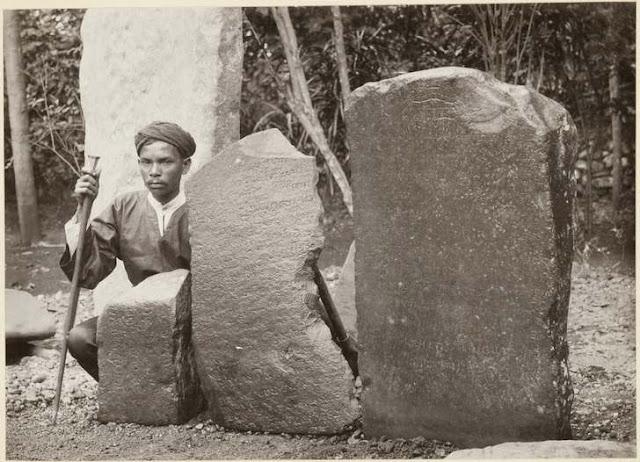prasasti sawah lunto sumatera barat dalam sejarah bahasa Indonesia