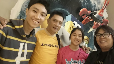 Bunda Elisa dan keluarga