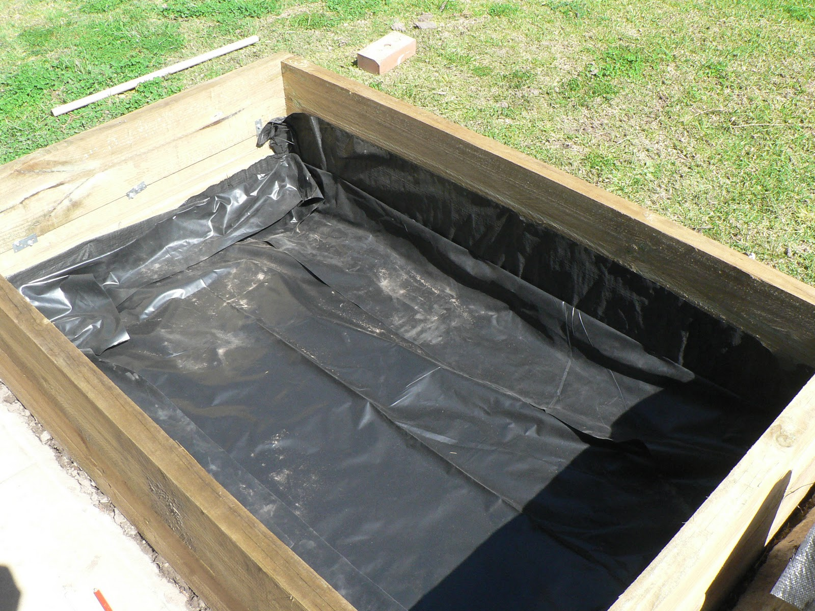 Ground Sheet Bunnings My Thornbury Garden Building The Wicking Bed