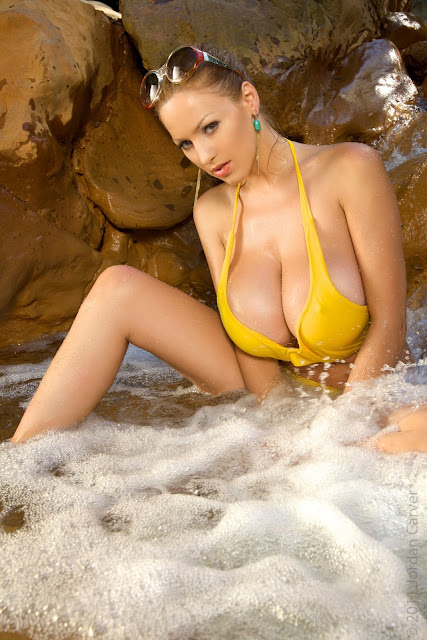 Jordan-Carver-Yellow-River-sexiest-bikini-photoshoot-HD-image-17