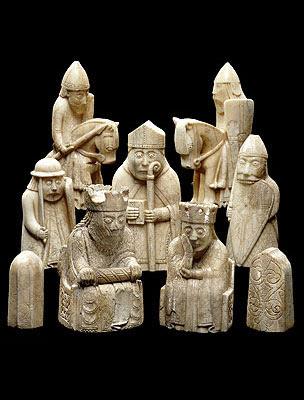 Piezas originales de la Isla de Lewis expuestas en el Museo Británico en Londres