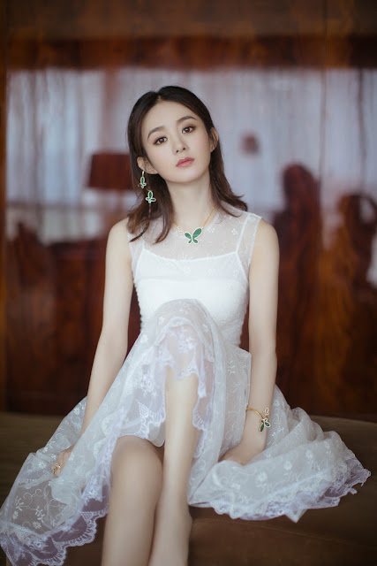 Zhao Liying white lace dress